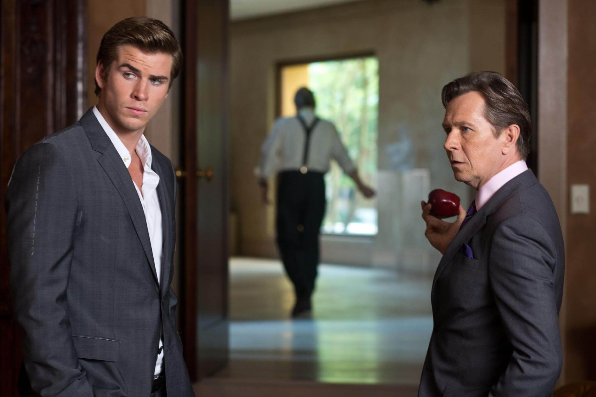 picture-of-gary-oldman-and-liam-hemsworth-in-paranoia-2013-large-picture